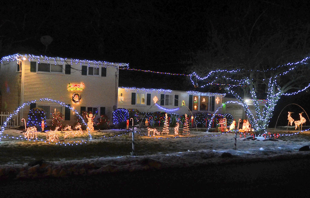 A Christmas display on Driftwood Lane. (Photo by Harold Cobin.)